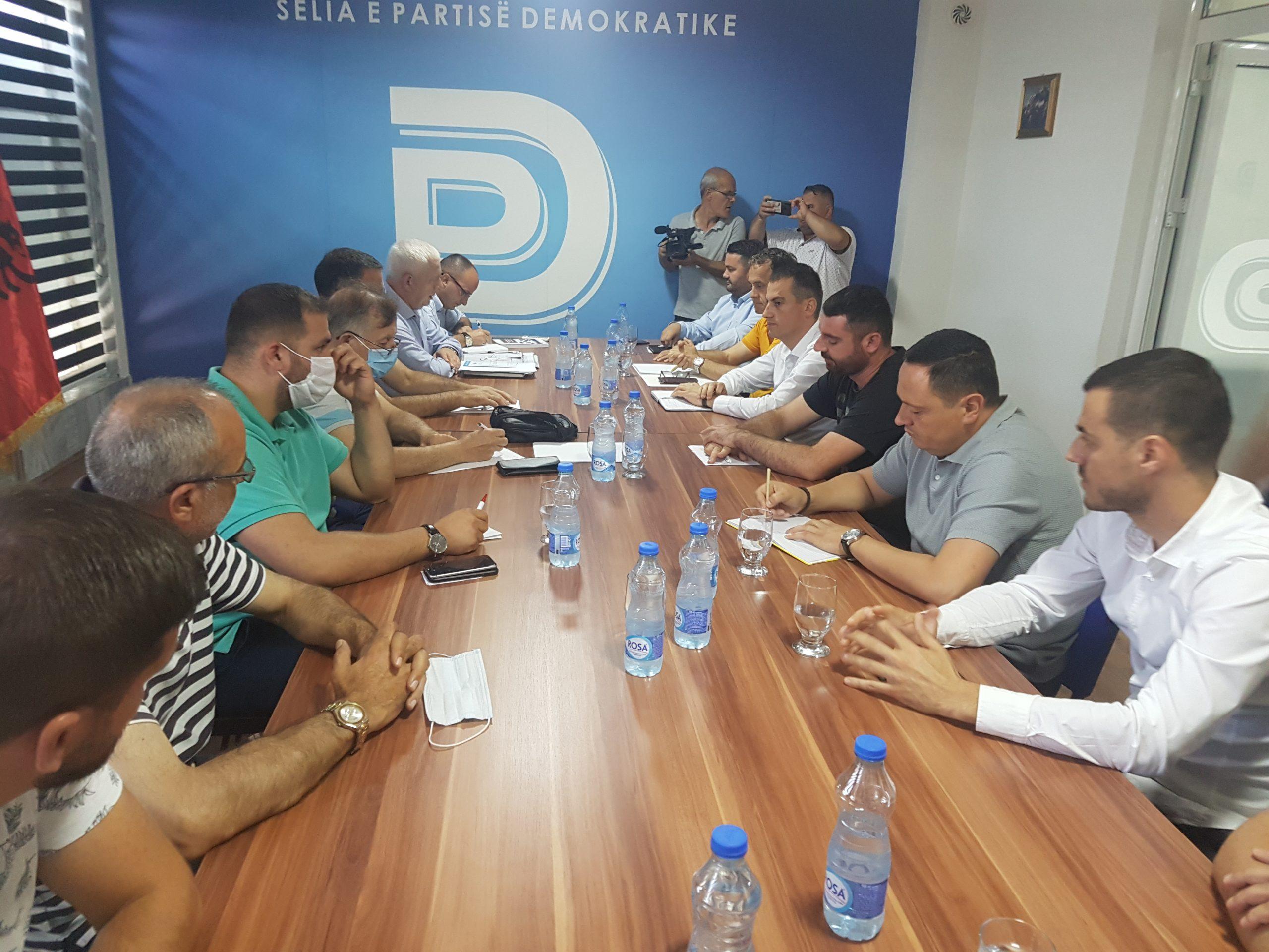 Nis takimi i tretë në PD, a do të arrihet sot Marrëveshja për koalicion ?