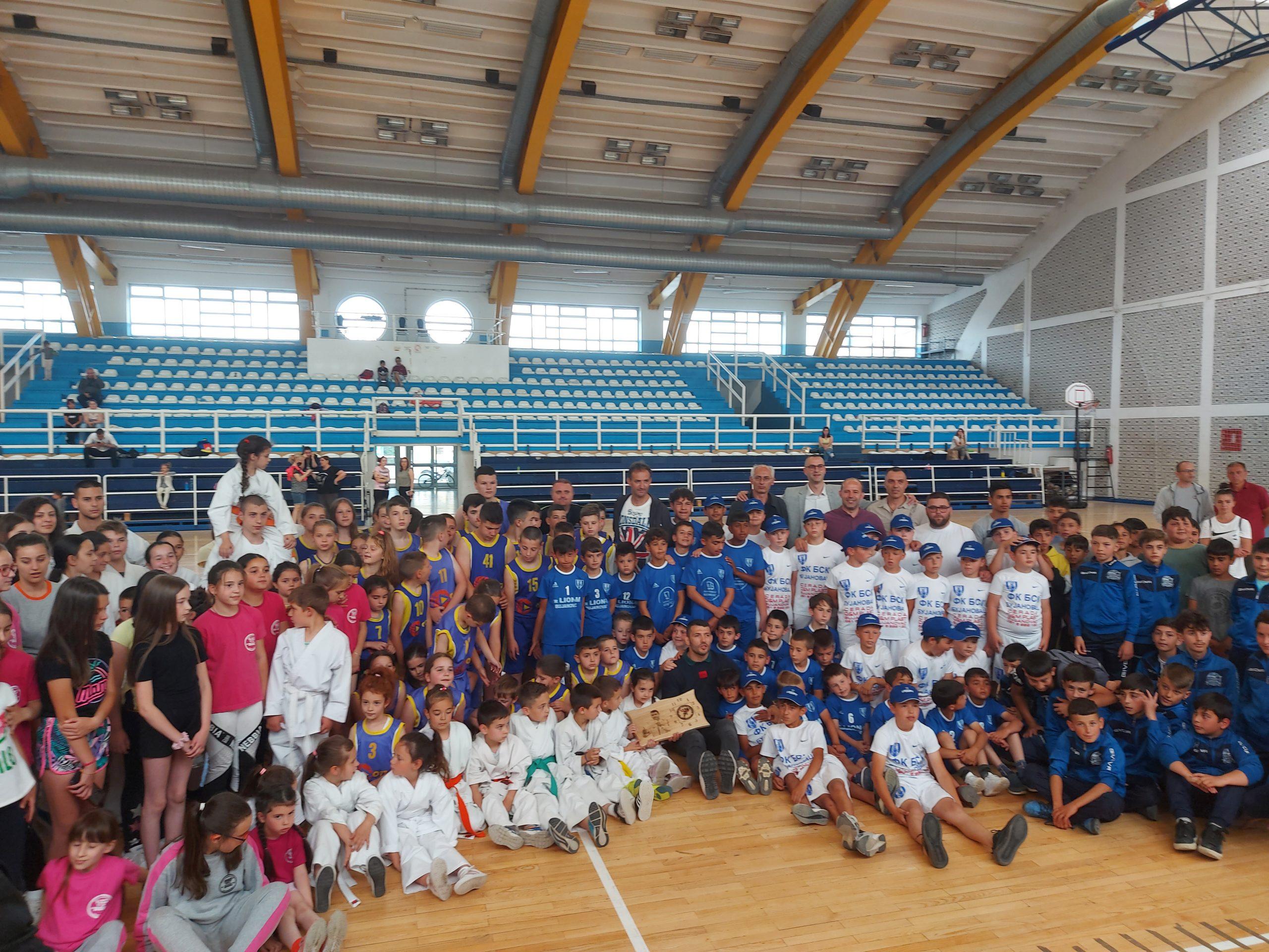 Drejtuesit e Lidhjes së Sporteve të Serbisë vizitojnë Bujanocin